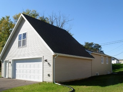 Baraboo WI Single Family Home For Sale: $139,900