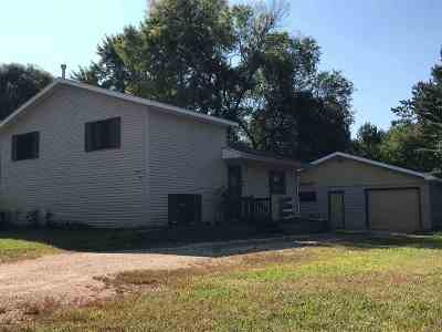Friendship WI Single Family Home For Sale: $139,900