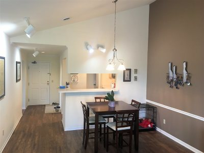 Madison Condo/Townhouse For Sale: 917 Harbor House Dr #6