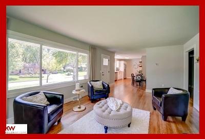 Monona Single Family Home For Sale: 401 Labelle Ln