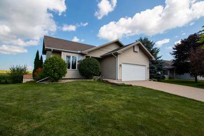 Deforest WI Single Family Home For Sale: $250,000