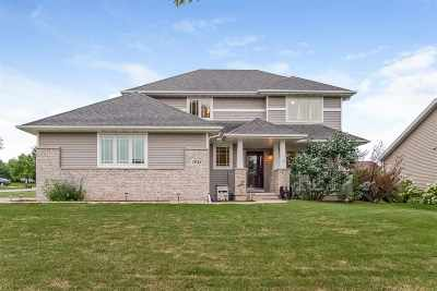 Sun Prairie Single Family Home For Sale: 1043 Derby Dr