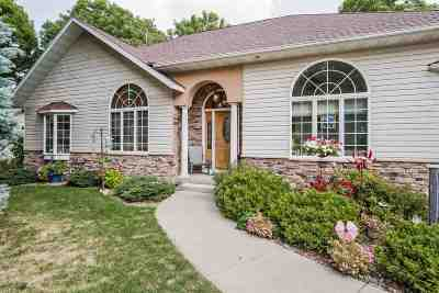 Sauk County Single Family Home For Sale: 900 Highland Ct