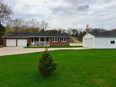 Cottage Grove Single Family Home For Sale: 4951 County Road Tt