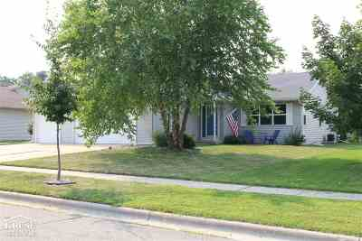 Sun Prairie WI Single Family Home For Sale: $305,000