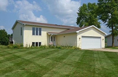 Blue Mounds WI Single Family Home For Sale: $260,000