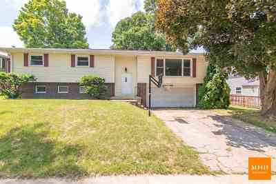 Middleton Single Family Home For Sale: 1418 Shirley St
