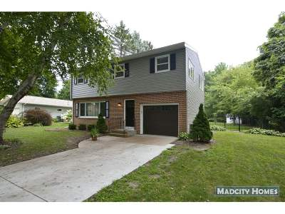 Madison Single Family Home For Sale: 21 Merrill Crest Dr
