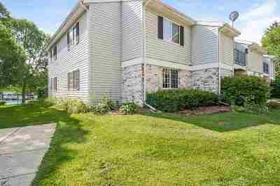 Fitchburg Condo/Townhouse For Sale: 301 Whispering Pines Way