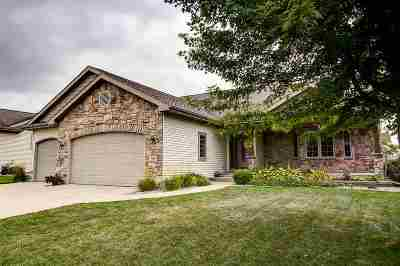 Waunakee Single Family Home For Sale: 306 North Ridge Dr