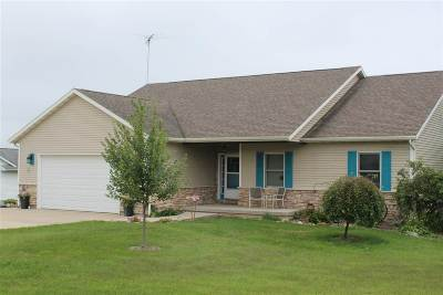 Green County Single Family Home For Sale: N2503 Van Matre Ln