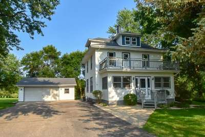Stoughton Single Family Home For Sale: 722 Taylor Ln