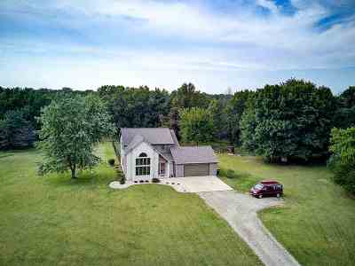 Green County Single Family Home For Sale: N3967 Brittany Ln