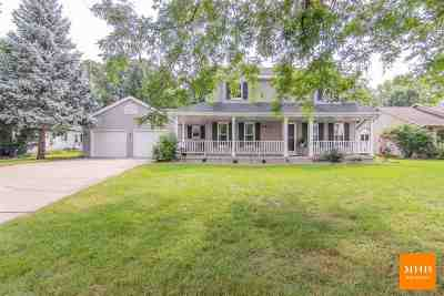Cottage Grove Single Family Home For Sale: 716 Chestnut Crest