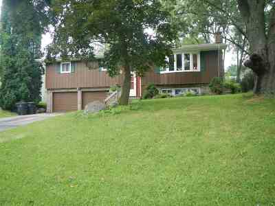 Stoughton Single Family Home For Sale: 1108 Riverview Dr