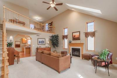 Middleton Single Family Home For Sale: 9414 Whippoorwill Way