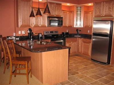 Wisconsin Dells Condo/Townhouse For Sale: 2411 River Rd #2233