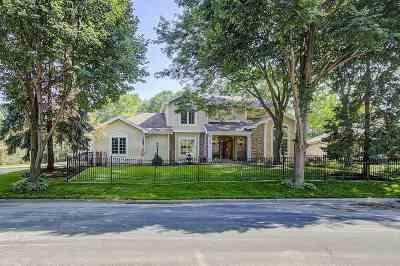 Madison Single Family Home For Sale: 10 Pebble Beach Cir