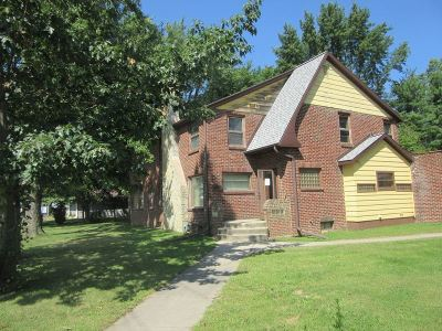 Sauk City Single Family Home For Sale: 701 Phillips Blvd