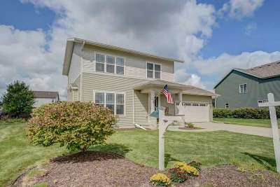 Sun Prairie Single Family Home For Sale: 616 Willow Brook Tr