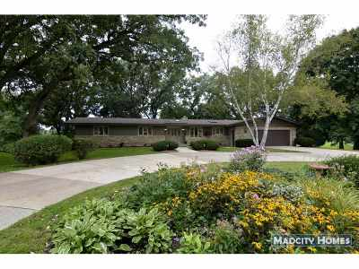 Windsor Single Family Home For Sale: 6629 S Oak Ln