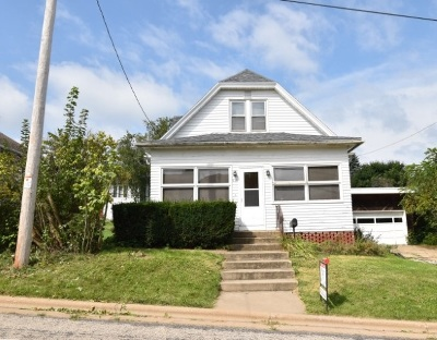 Iowa County Single Family Home For Sale: 210 S Dacotah St