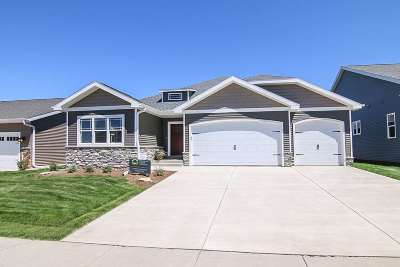 Waunakee Single Family Home For Sale: 802 Walter Run