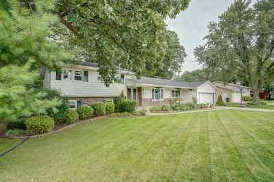 Sun Prairie Single Family Home For Sale: 212 Broadway Dr