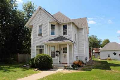 Lancaster WI Single Family Home For Sale: $108,000