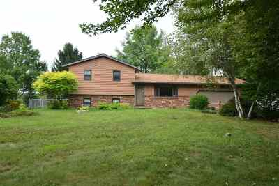 Deforest Single Family Home For Sale: 3879 Sunny Wood Dr