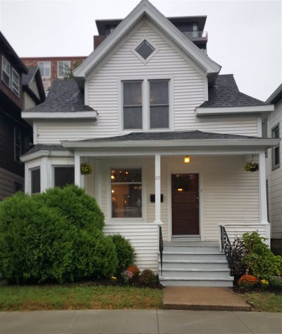 Dane County Single Family Home For Sale: 217 N Bassett St
