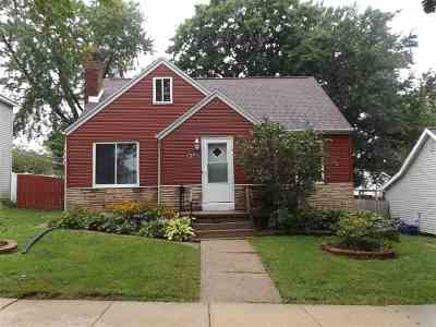 Wisconsin Dells Single Family Home For Sale: 611 Church St