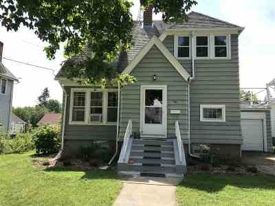 Columbus Single Family Home For Sale: 451 W School St