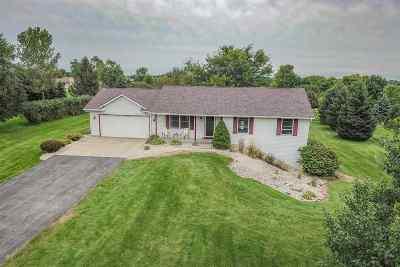 Janesville Single Family Home For Sale: 6217 W Burrwood Dr