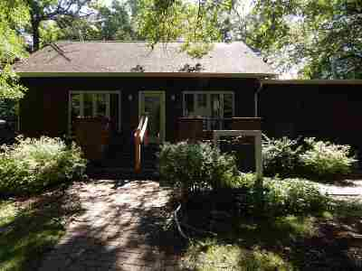 Columbia County Single Family Home For Sale: W735 Oak Shore Dr