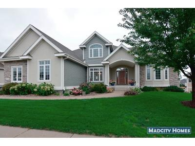 Waunakee Single Family Home For Sale: 1711 Dunwoody Ln