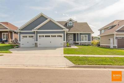 Waunakee Single Family Home For Sale: 1008 Limerick Ln