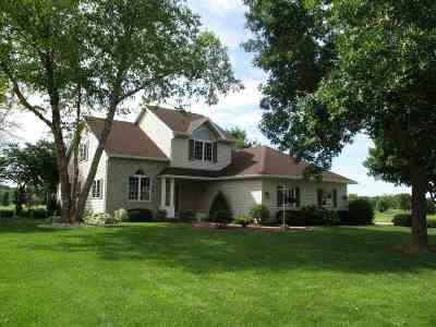 Green County Single Family Home For Sale: N4137 Eagle Dr