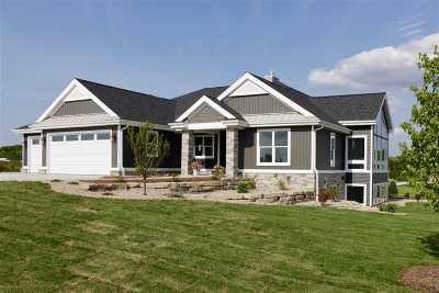 Sun Prairie Single Family Home For Sale: 6818 Angelica Tr