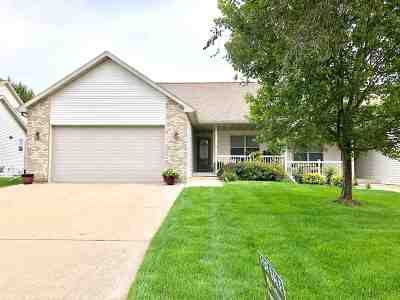 Sun Prairie Condo/Townhouse For Sale: 3054 Trenton Dr