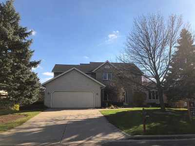 Sun Prairie Single Family Home For Sale: 1951 Barrington Cir