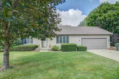 Sun Prairie Single Family Home For Sale: 1443 Jasper Cir