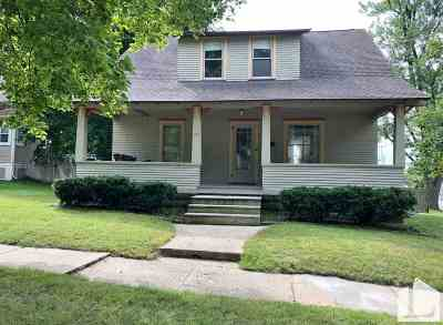 Stoughton Single Family Home For Sale: 1101 Moline St