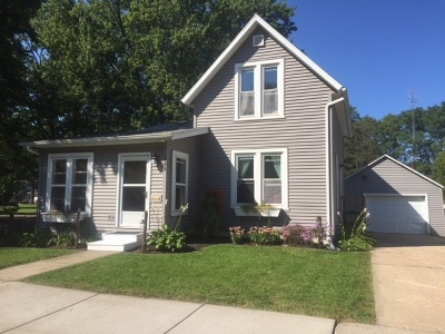 Sauk County Single Family Home For Sale: 444 Ellinwood Ave