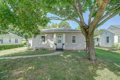 Sun Prairie Single Family Home For Sale: 412 Hillcrest Dr
