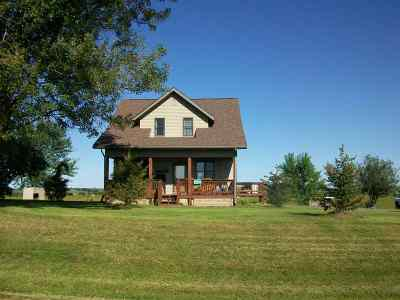 Iowa County Single Family Home For Sale: 1565 County Road Qq