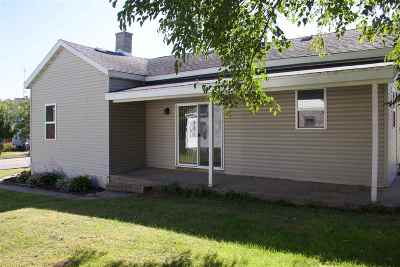 Columbia County Single Family Home For Sale: 419 E Cook St