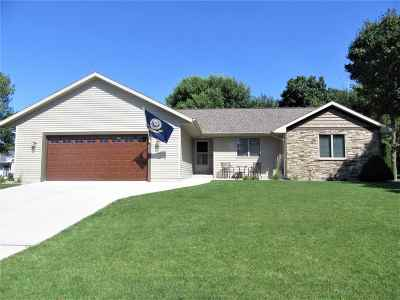 Janesville Single Family Home For Sale: 3211 Westminster Rd