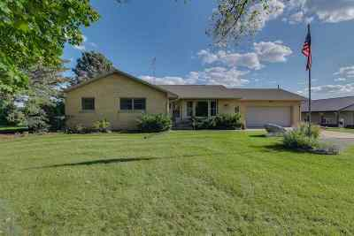 Milton Single Family Home For Sale: 400 E Manogue Rd