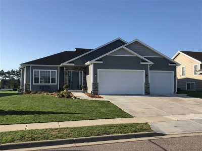 Sauk County Single Family Home For Sale: 2027 Fieldstone Blvd